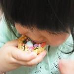 赤ちゃんがチョコレートを食べてしまった!?すぐ病院へ?