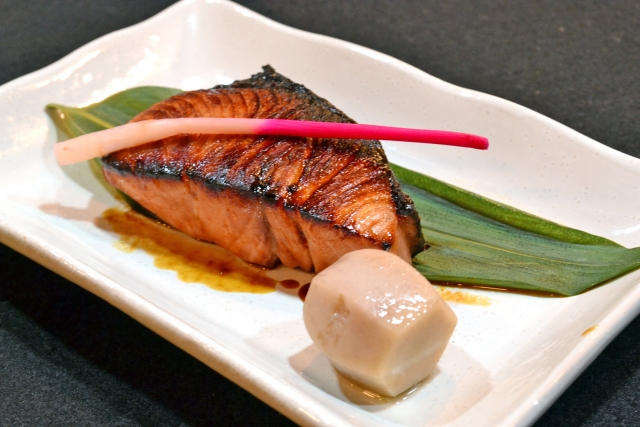 あお ざかな 種類 青魚の種類一覧!鮭・ぶりやまぐろ・かつおは含まれる?|雑学ノート